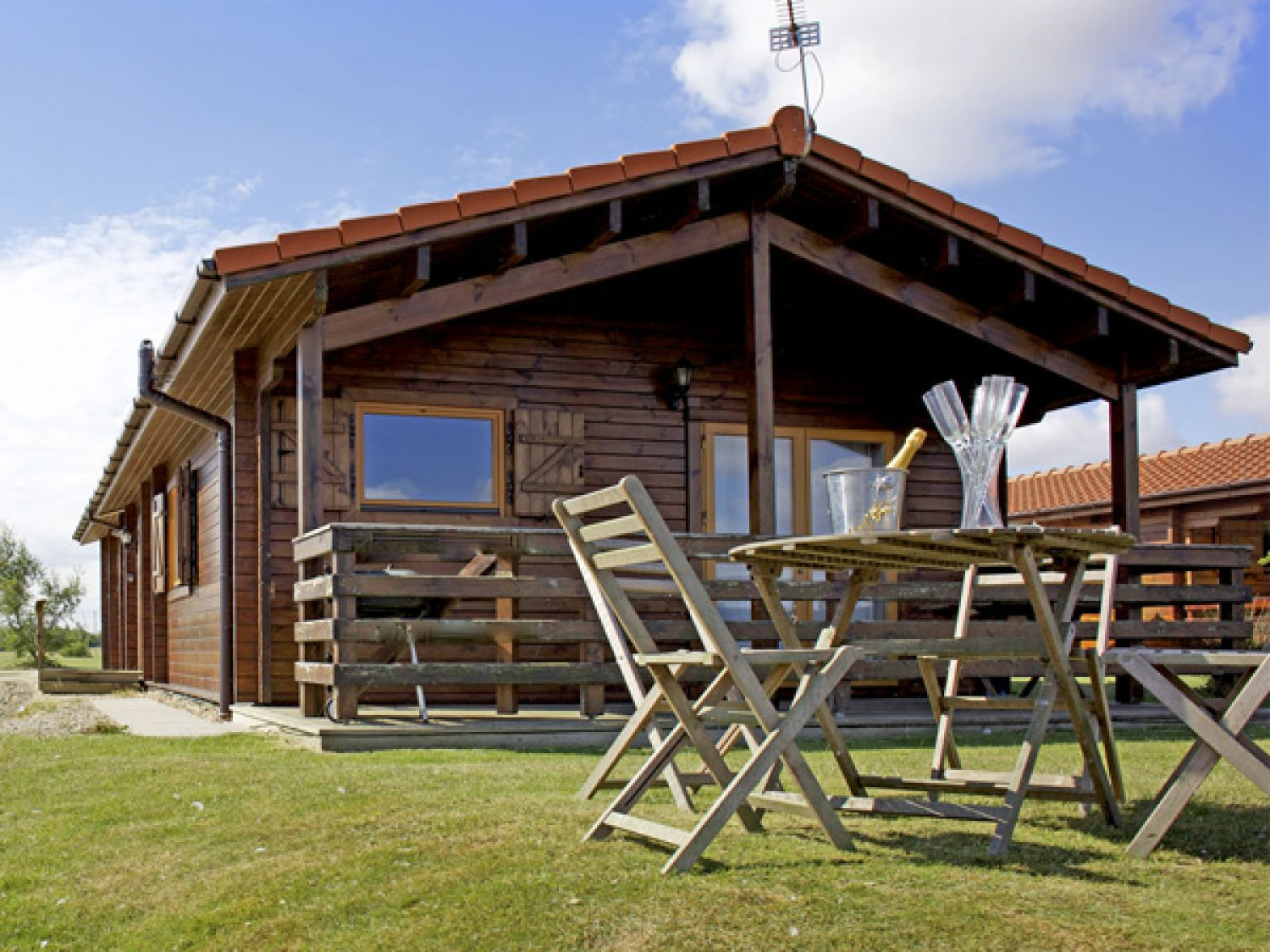 No 26 Tattershall Country Park - Holiday Park in Horncastle, Lincolnshire, England