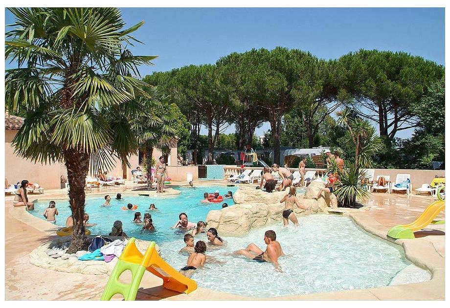 Campsite Les Cigales - Holiday Park in Mandelieu-la-Napoule, Provence-Cote-dAzur, France