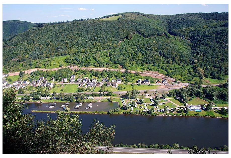 Knaus Campingpark Burgen/Mosel - Just one of the great campsites in Rhineland Palatinate, Germany