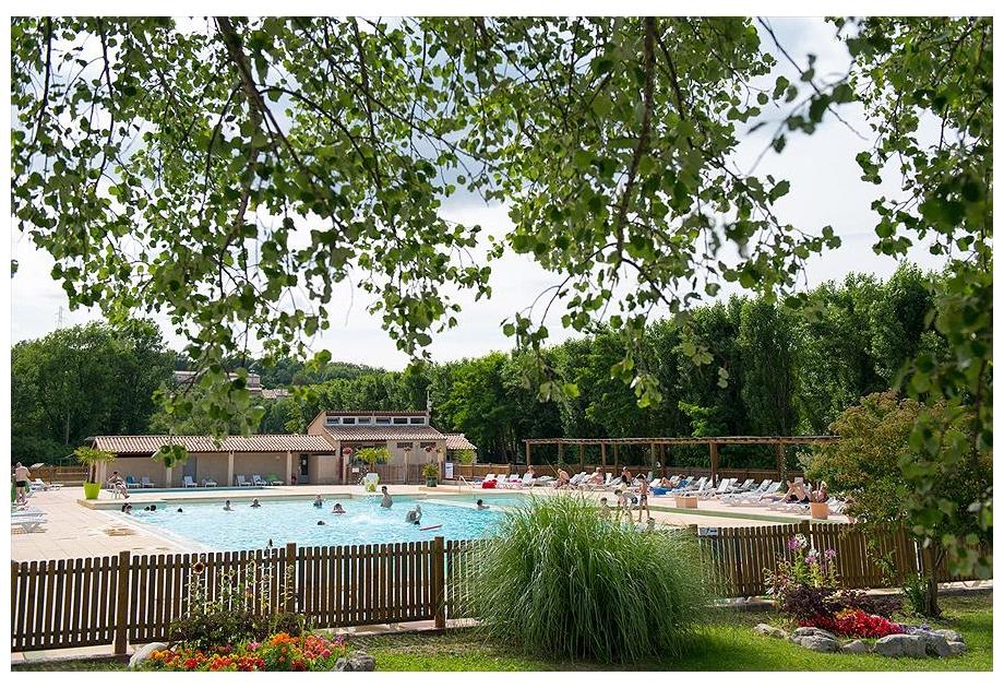 Campsite Verdon Parc - Holiday Park in Greoux-les-Bains, Provence-Cote-dAzur, France