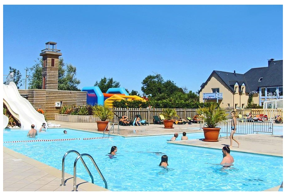 Campsite Port'Land - Holiday Park in Port-en-Bessin-Huppain, Normandy, France