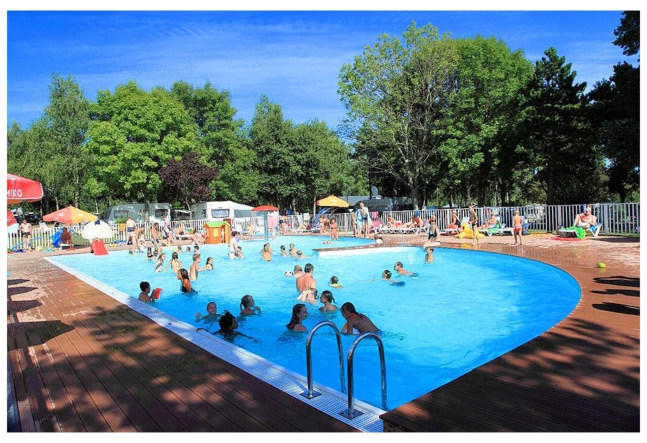 Camping de l'Etang de Fouche - Arnay - Just one of the great holiday parks in North Brabant, Netherlands