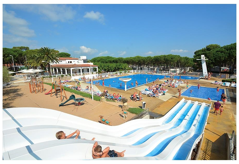 Campsite Sandaya Cypsela Resort - Just one of the great campsites in Catalonia, Spain