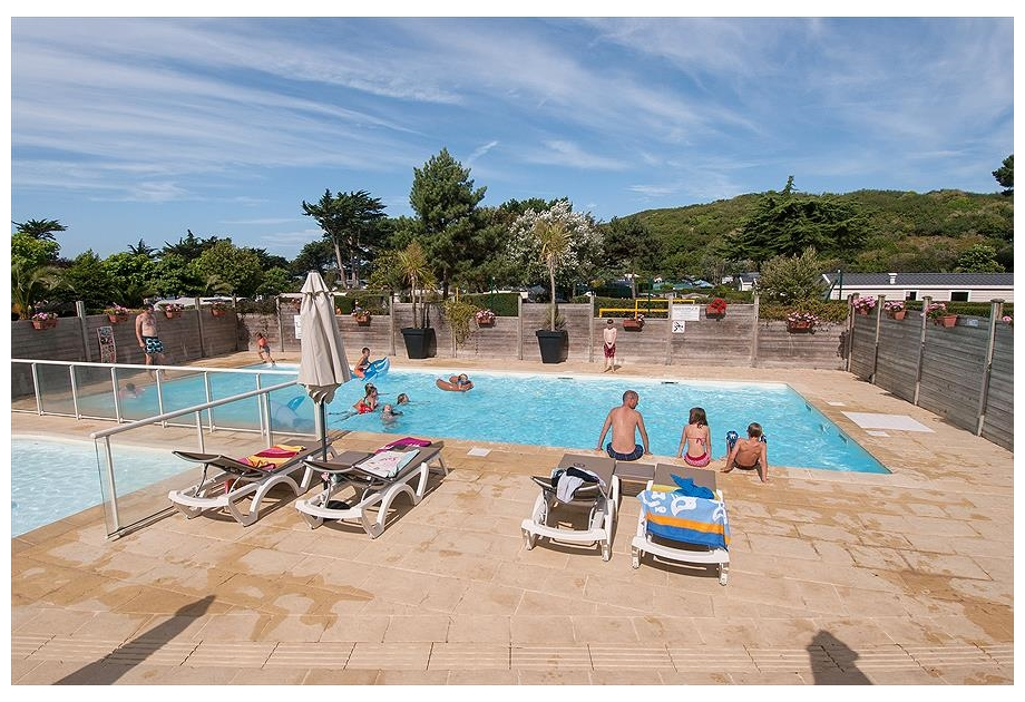 Camping RCN Port l'Epine - Just one of the great holiday parks in Brittany, France