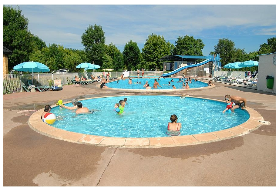Campsite Les Bords de Loue - Holiday Park in Parcey, Franche-Comte, France