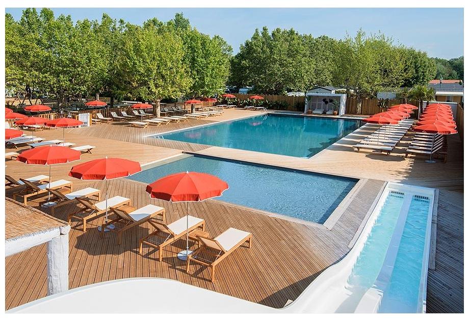 Campsite La Plage d'Argens - Holiday Park in Saint-Aygulf, Provence-Cote-dAzur, France