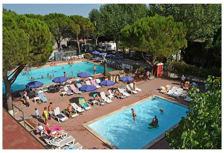 Campsite Village Punta Navaccia - Holiday Park in Tuoro sul Trasimeno, Umbria, Italy