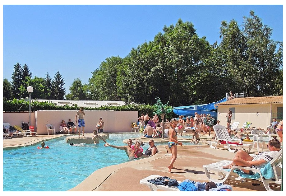 Campsite Les Etangs Fleuris - Just one of the great campsites in Ile de France, France