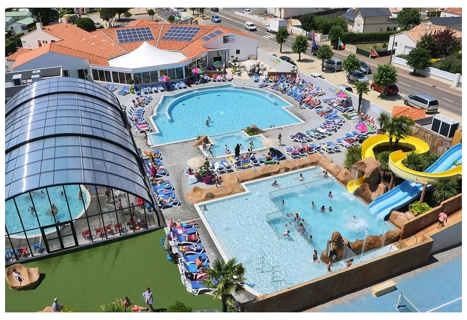 Campsite L'Oceano d'Or - Holiday Park in Jard-sur-Mer, Loire, France