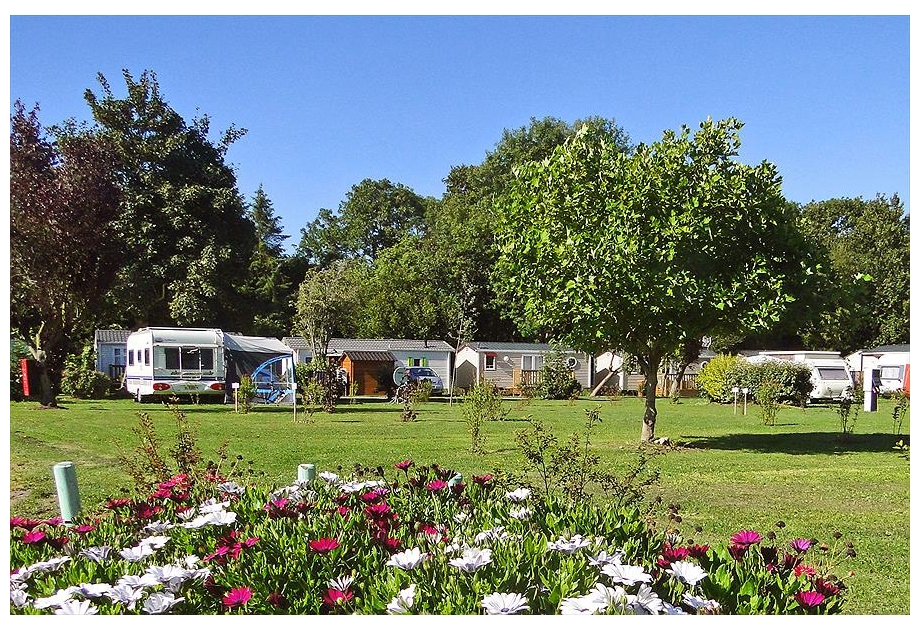 Flower Camping Le Rompval - Holiday Park in Mers-les-Bains, Picardy, France