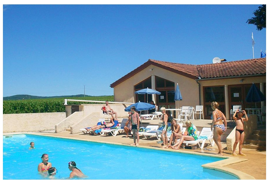Camping Les Vignes - Holiday Park in Puy-l'Eveque, Midi-Pyrenees, France