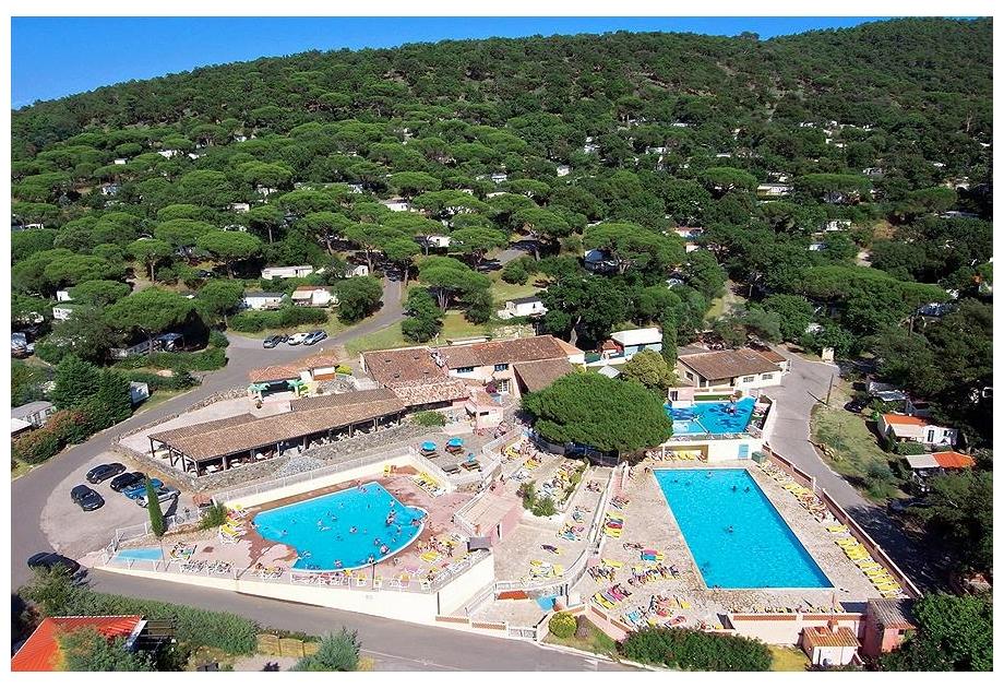 Campsite Parc Saint-James Parc Montana - Holiday Park in Gassin, Provence-Cote-dAzur, France