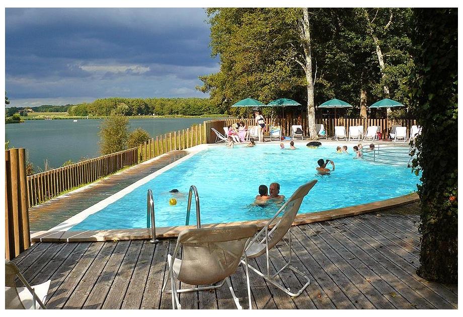 Campsite Huttopia Rille - Holiday Park in Rille, Loire, France